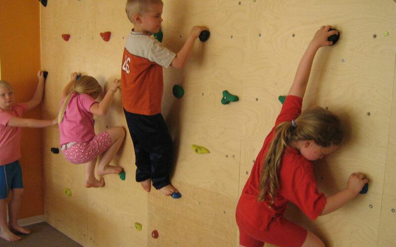 Kletterwand Im Kinderhaus Am Warnowpark